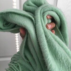 Cejon Accessories - Soft mint green scarf